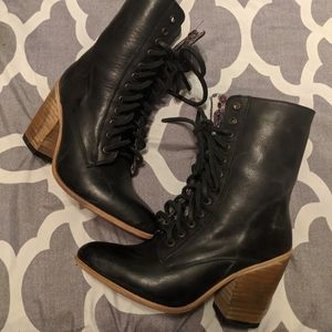 NWOT Freebird Rebel Heeled Lace Up Booties Black 6